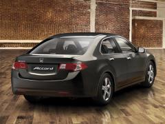 Автомобил Honda Accord Sedan