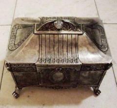 Jewelry caskets