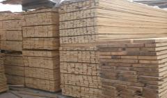 Дъски от различни видове дървесина