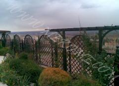 Ограда ковна с перголи