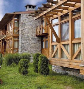 Дървена къща Вихрен
