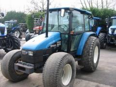 Трактор New Holland 5635
