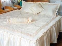 Спално бельо с бродерии