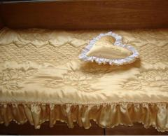 Бродирано спално бельо