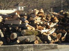 Дърва нацепени