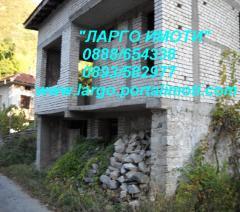 Къща с.Бачково, двор, на груб строеж