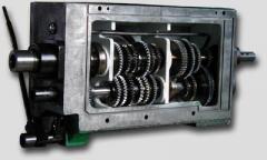 Подавателна кутия за универсални стругове