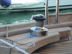 Boat hoist, hand operated