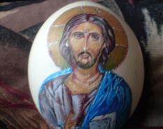 Рисунка на Исус върху яйце от щраус