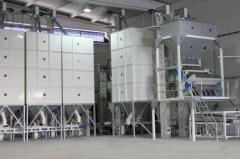 Grain calibrating and cleaning machine