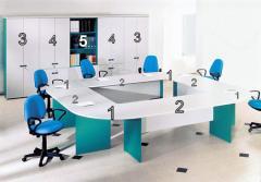 Офис обзавеждане от пдч в бяло и зелено