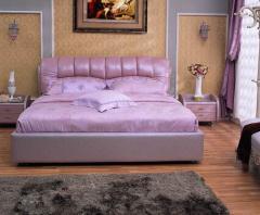 Тапицирана спалня в лилаво