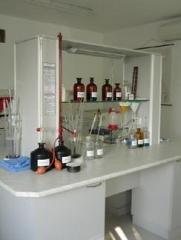 Лабораторни мебели