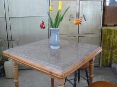 Маса квадратна с мраморен плот