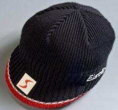 Зимни шапки