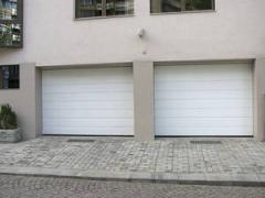 Гаражни секционни врати