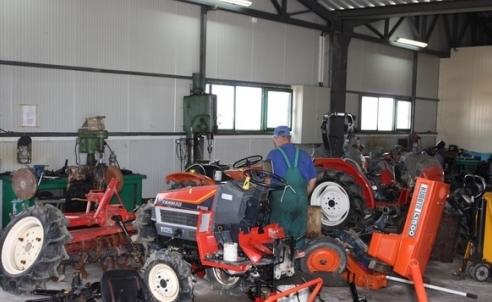 Поръчка Поправяне и боядисване на машини