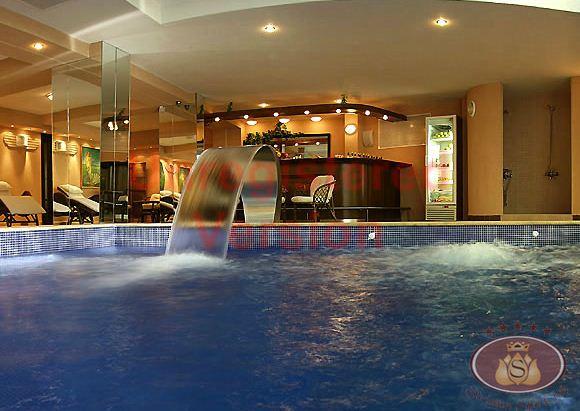 Поръчка Басейн в хотела с минерална вода