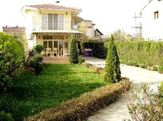 Поръчка Двуетажна къща в Бургас