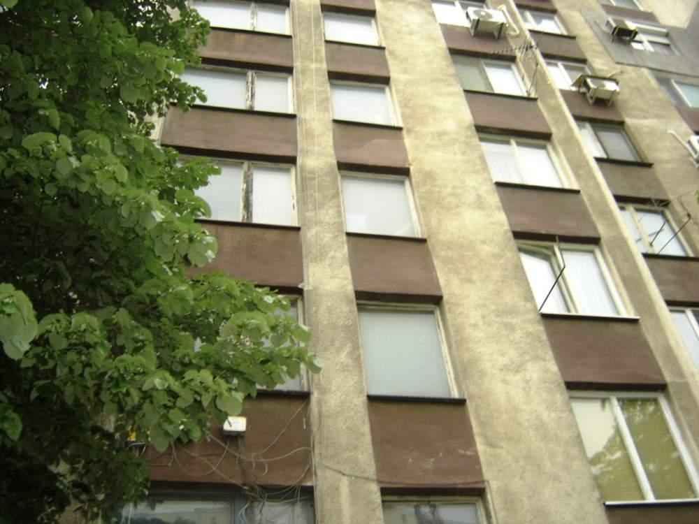 Поръчка Тристаен апартамент в монолитна сграда до парка на ж.к.Славейков, гр.Бургас