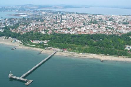 Поръчка Атрактивен парцел в суперцентъра на град Бургас, до Морската градина и плажа на града