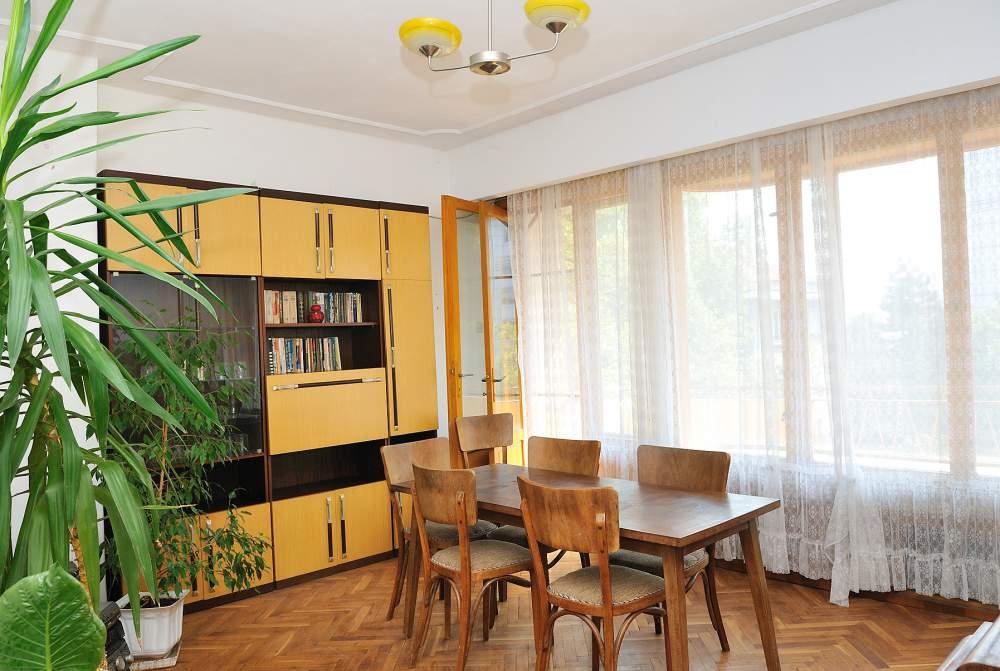 Поръчка Тристаен апартамент, Ямбол