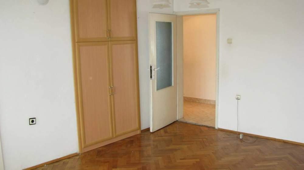 "Поръчка Тристаен апартамент в к-с ""Зорница"", гр. Ямбол"