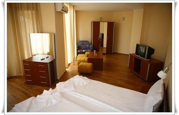 Поръчка Апартамент в хотел Queen