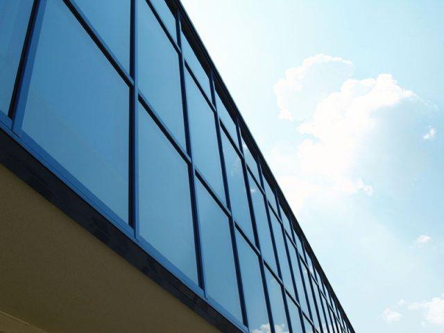 Поръчка Производство и монтаж на алуминиеви ролетни щори и гаражни ролетни врати;