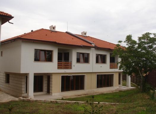 Поръчка Елитен комплекс на 20 минути от гр. Варна в село Приселци