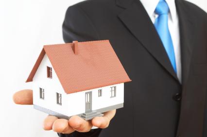 Поръчка Търговия и управление на недвижими имоти