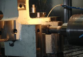 Поръчка Производство на детайли от черни и цветни метали