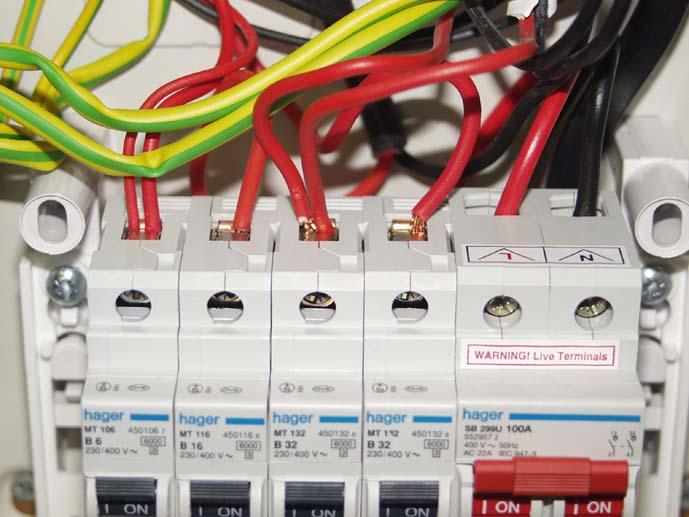 Поръчка Електрически табла и управления за товароподемни съоръжения