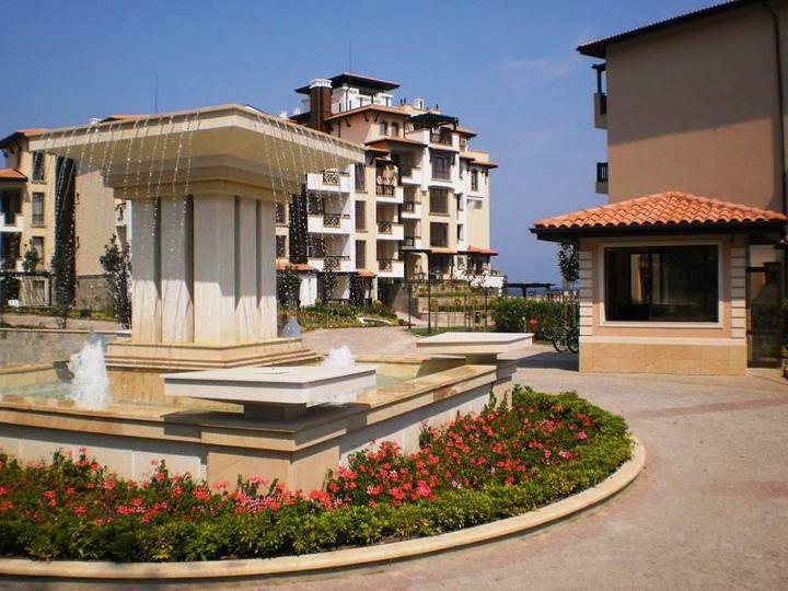 Поръчка Поставяне на облицовки на хотелски и жилищни комплекси