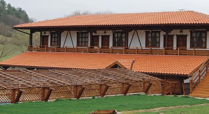 Поръчка Строителство на сглобяеми къщи
