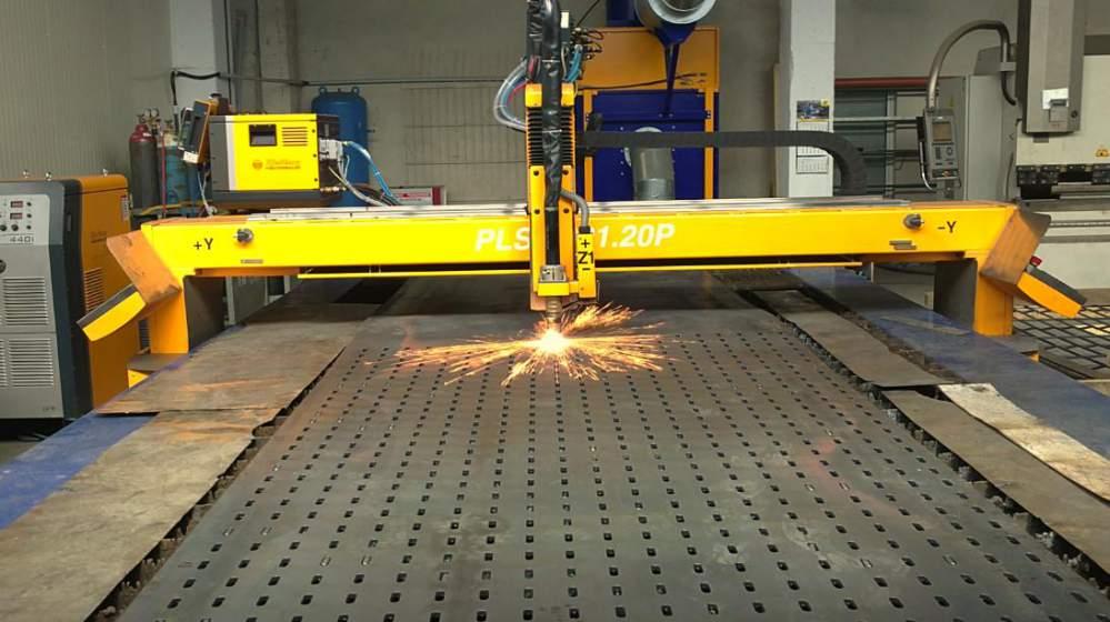 Поръчка Рязане на пръти на лентоотрезна машина