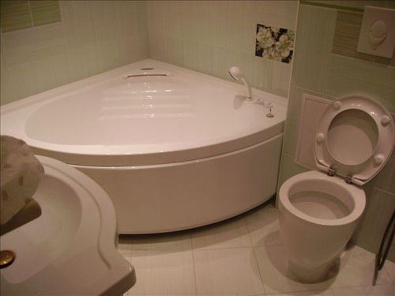 Поръчка Изграждане на санитарни помещения