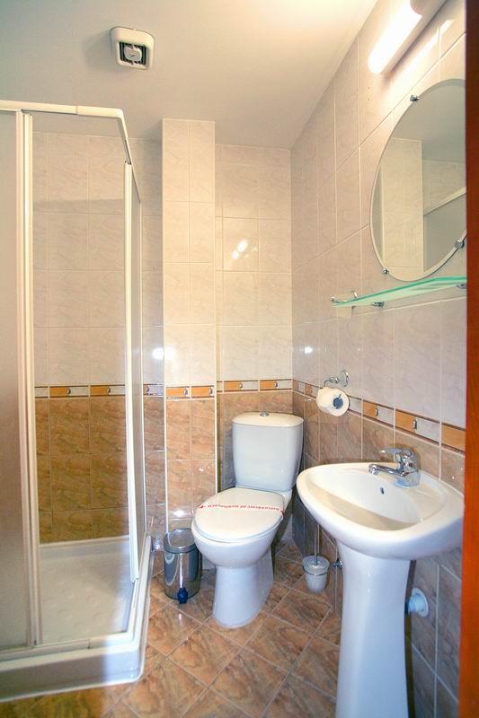 Поръчка Двойни и единични стаи, апартамент
