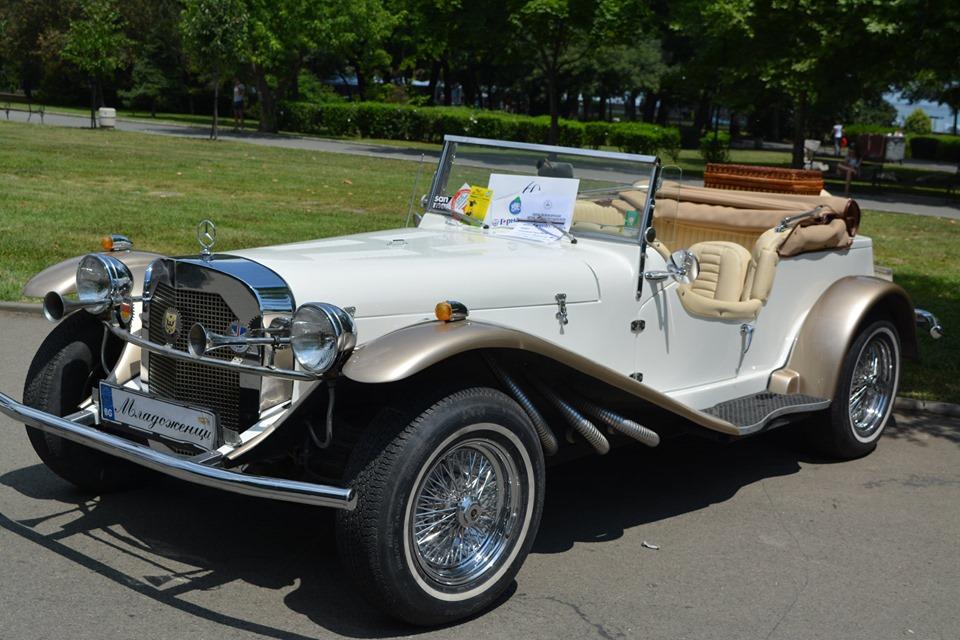 Поръчка Ретро автомобил под наем за сватба
