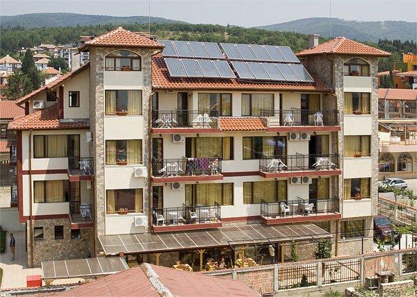 Поръчка Настаняване Семеен хотел Бреза