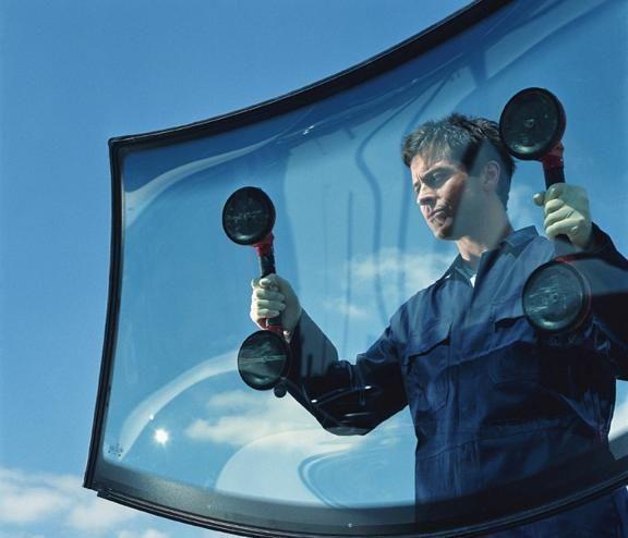 Поръчка Монтаж и демонтаж на автомобилни стъкла