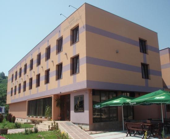 Поръчка Строеж на хотел