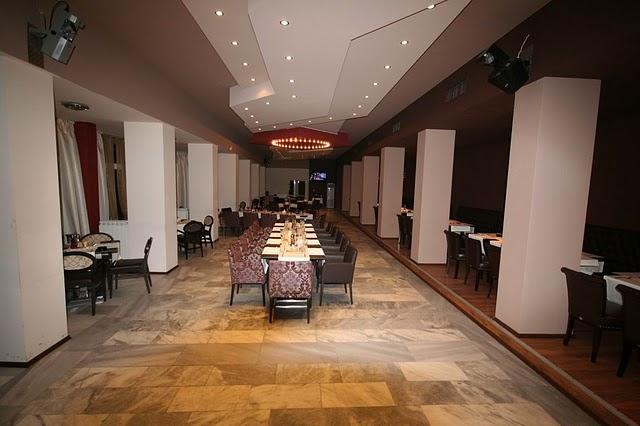 Поръчка Хотел Боровец разполага с просторен, светъл ресторант