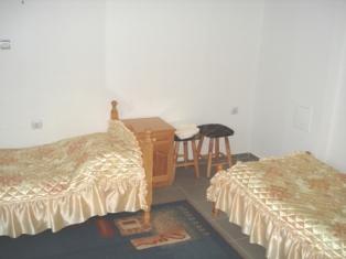 Поръчка Стая с две легла