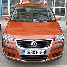 Автомобил под наем VW Cross Touran 2.0 TDI