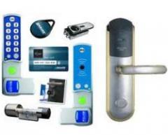 Инсталиране на електронни брави в хотелите