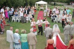 Организиране и провеждане сватби и юбилейни тържества