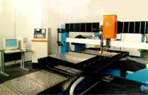 Services on correcting and cutting of metallic