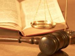 Услуги на юристи, адвокати по международно право