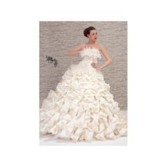 Изработка на сватбени рокли
